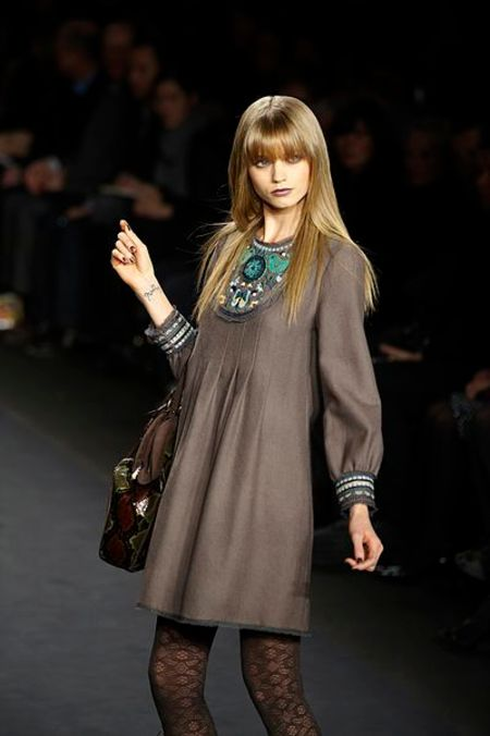 Abbey Lee walking for Anna Sui in 2010  Image Source: Wiki Wand