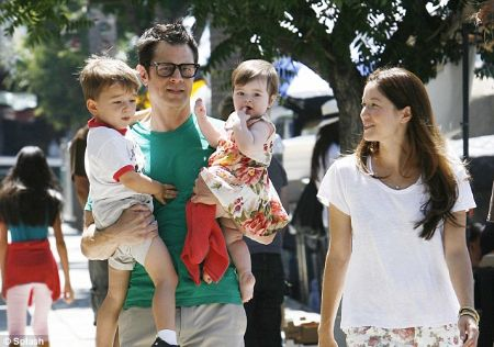 Johnny Knoxville with his wife, Naomi Nelson and their two children